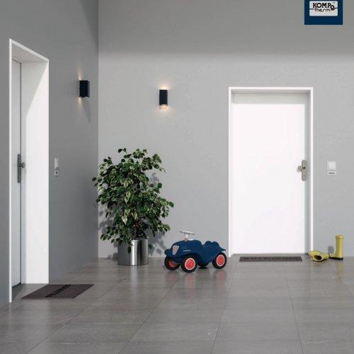 KOMPOtherm HOMEtherm Wohnungseingangstür - Ansicht von außen   Bild: KOMPOtherm